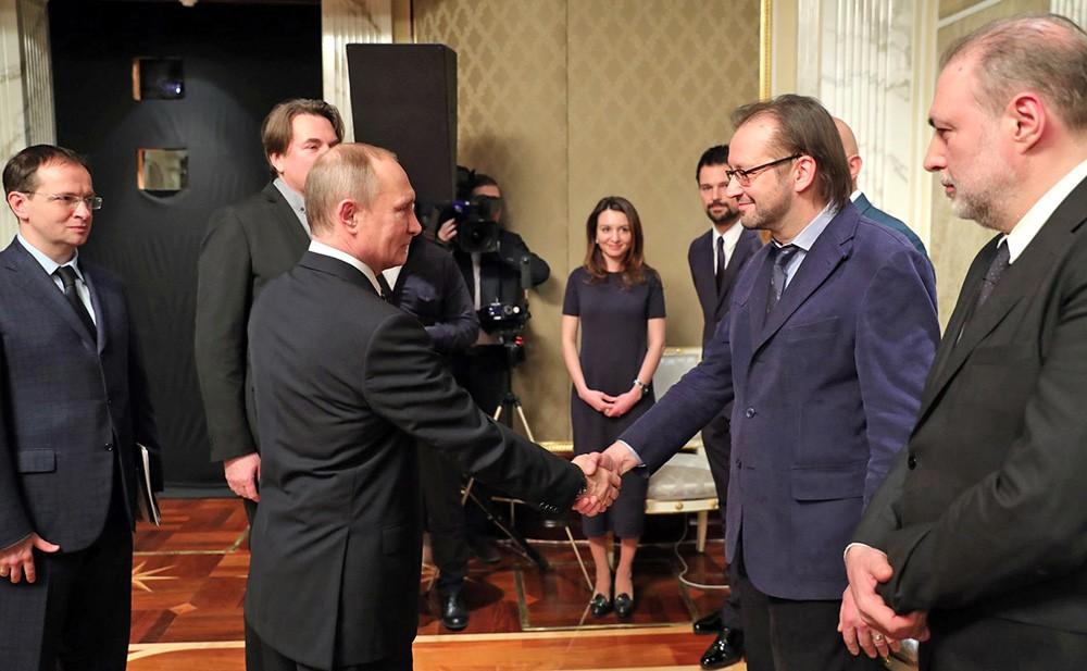 Президент России Владимир Путин и режиссёром Андрей Кравчук