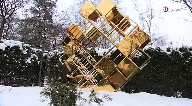 """Памятник в парке """"Сокольники"""""""