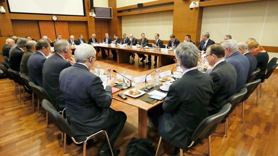 """Встреча с глобальными интеллектуальными лидерами в рамках форума """"Россия и мир: взгляд в будущее"""""""