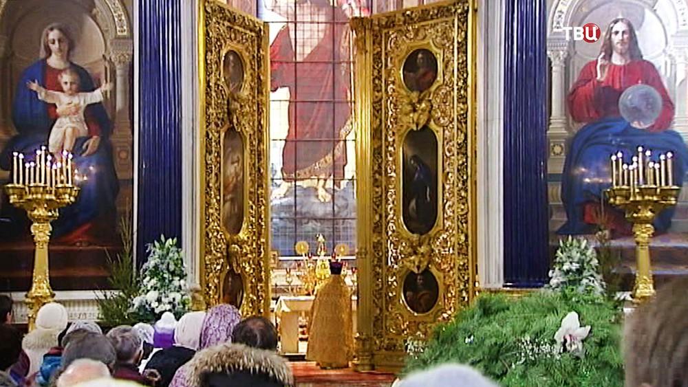 Богослужение в Исаакиевском соборе