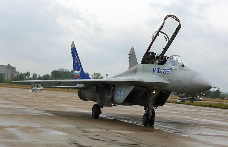 Легкий фронтовой истребитель МиГ-35