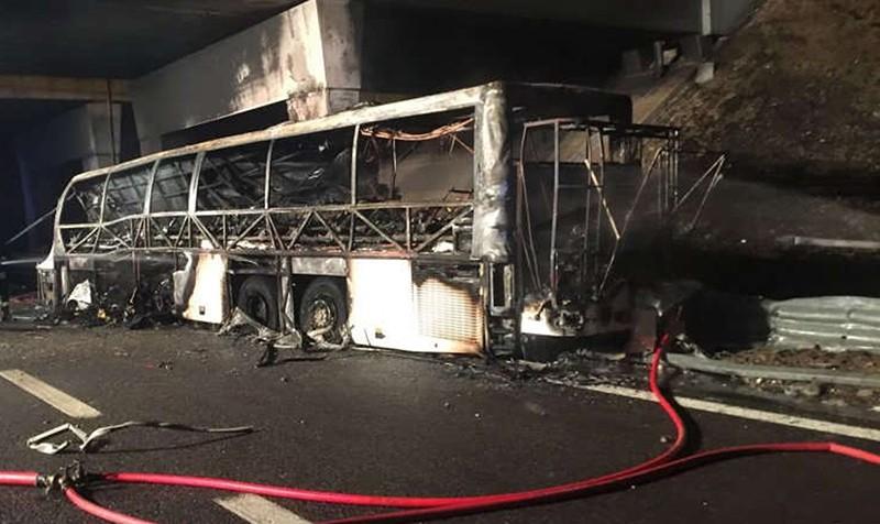 Сгоревший автобус в Италии