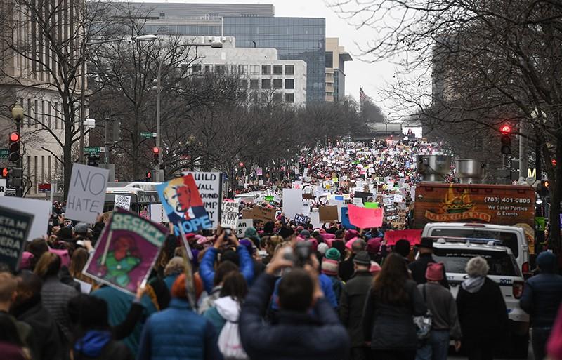 """Участники """"Марша женщин"""" в Вашингтоне"""