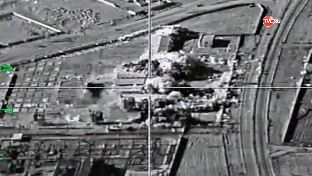 Последствия авиаудара ВКС России по позициям ИГ в Сирии