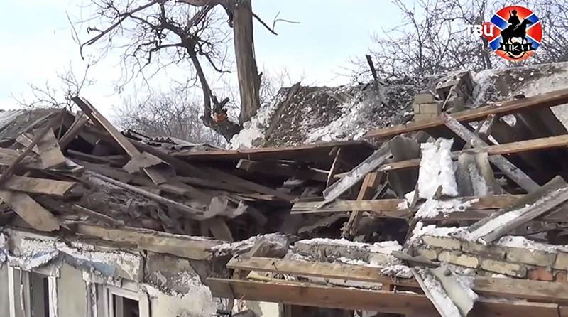 Последствия обстрела Донбасса
