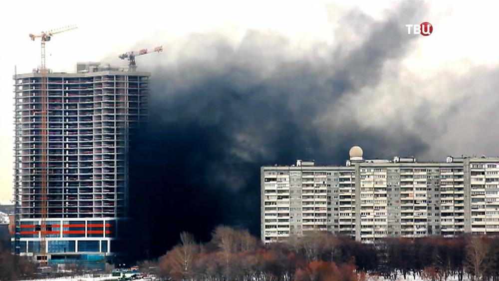 Пожар в строящимся здании