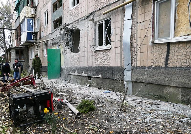 Жилой дом, пострадавший в результате обстрела украинскими силовиками, в Макеевке
