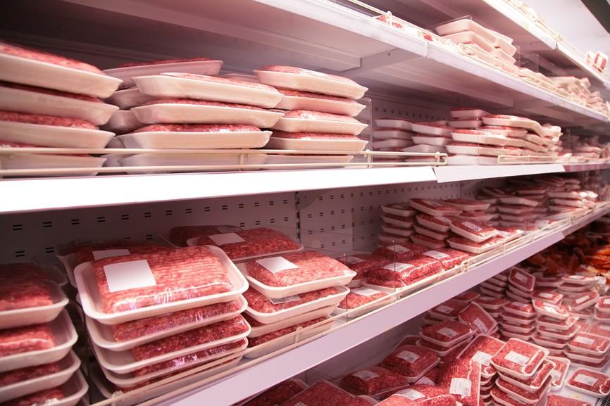 Полки с мясным фаршем