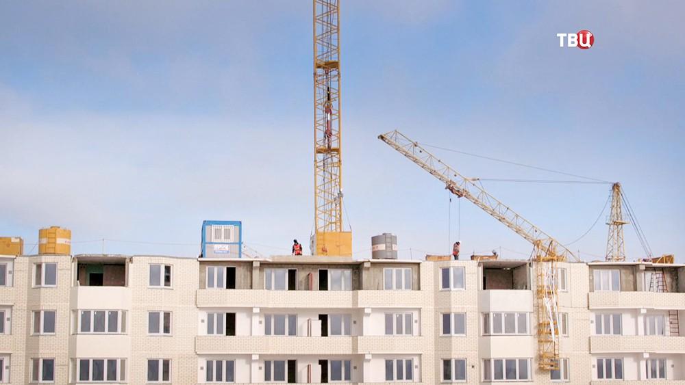 Стройка многоэтажного здания