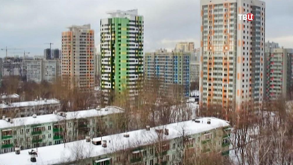Пятиэтажки на фоне новостроек