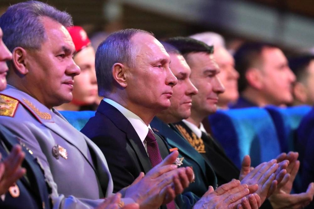 Министр обороны Сергей Шойгу и президент Владимир Путин