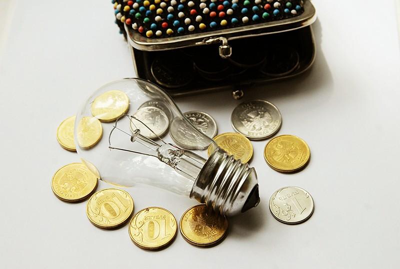 Деньги и электрическая лампа