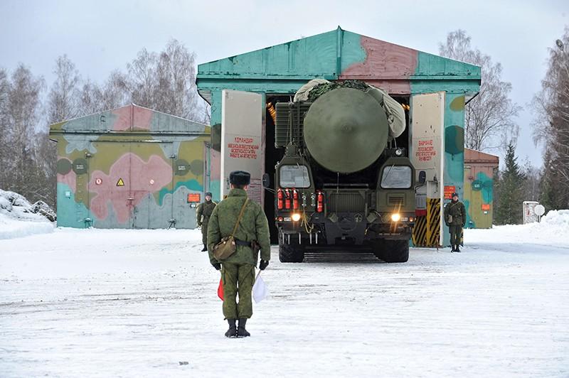 """Пусковой грунтовый ракетный комплекс """"Ярс"""""""