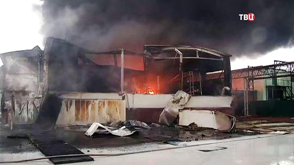 Последствия пожара в ангаре
