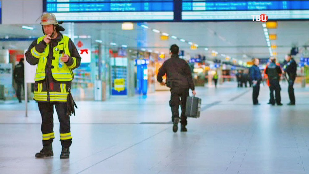 Пожарные Германии на вокзале