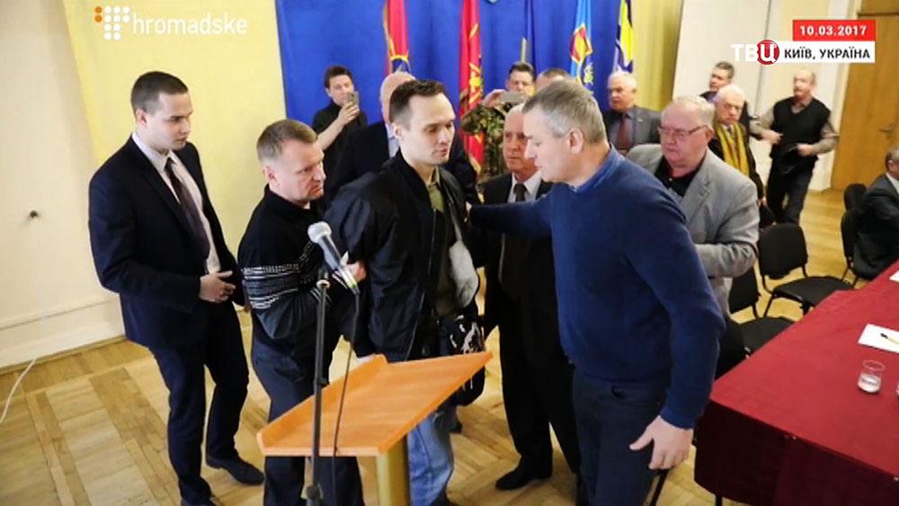 Задержание украинского радикала Дмитрия Резниченко