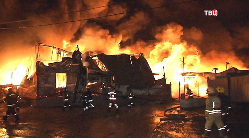 Пожар на складе в Щелково