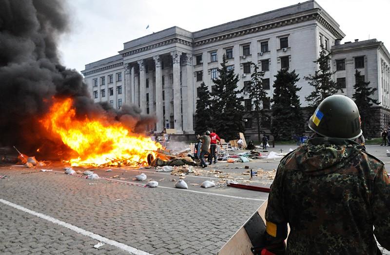 Массовые беспорядки у здания Дома профсоюзов в Одессе. 2 мая 2014 год