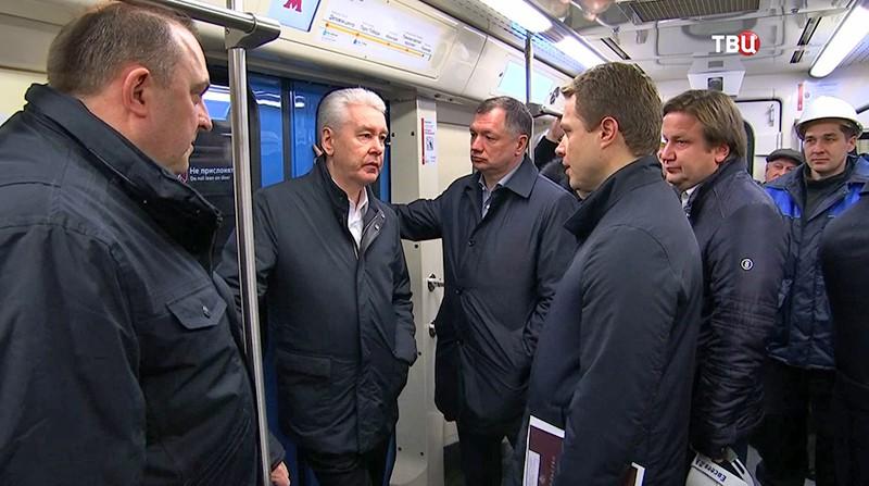Сергей Собянин осматривает новую станцию метро
