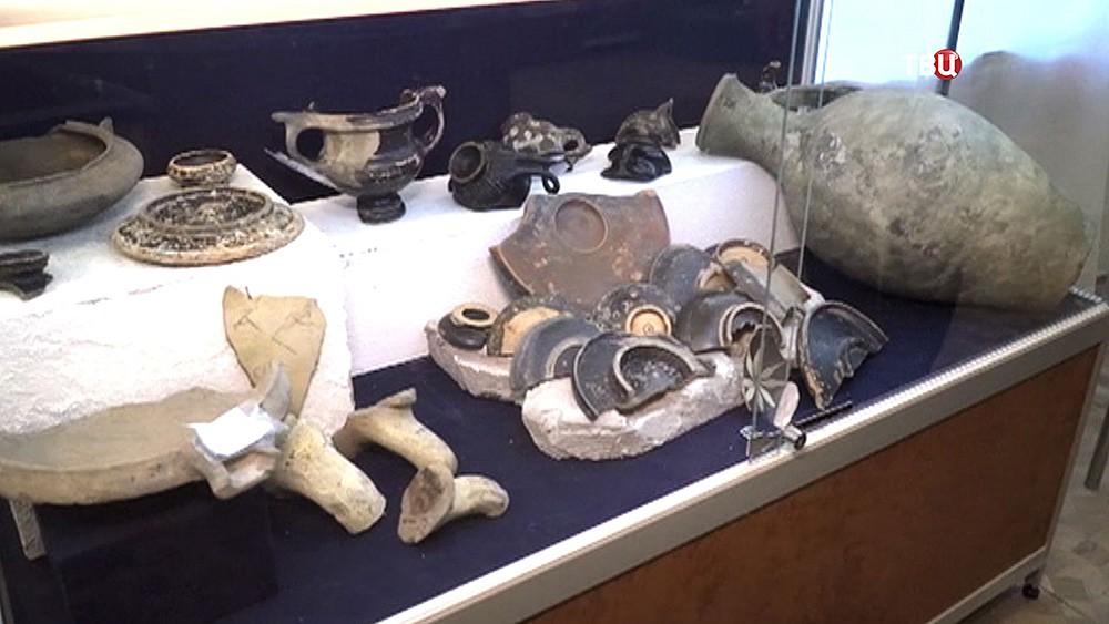 Археологические экспонаты найденные в Керченской бухте