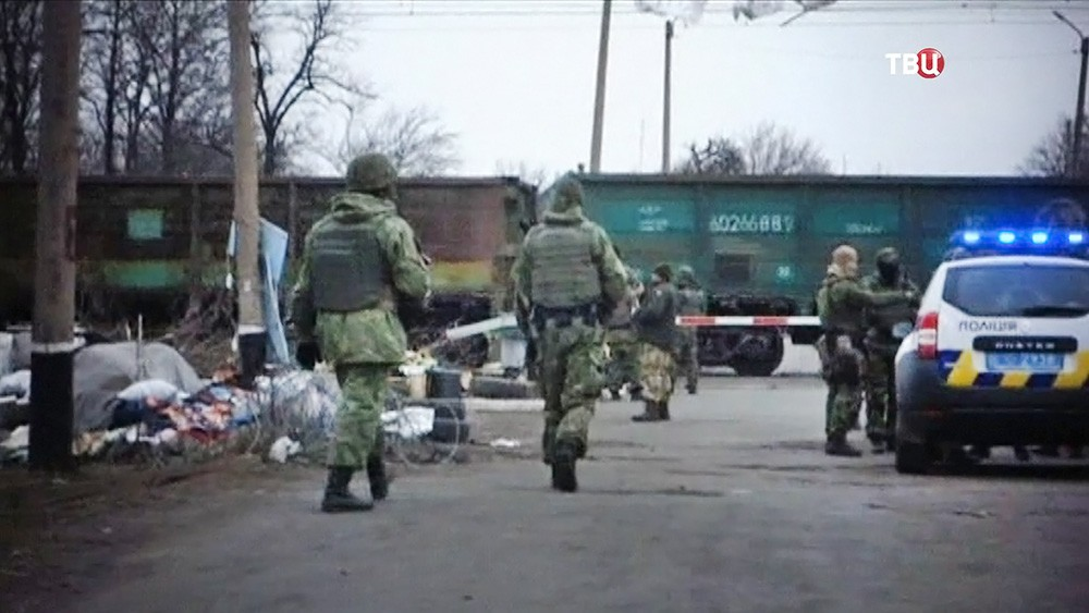 Военнослужащие украинской армии в зоне блокады Донбасса