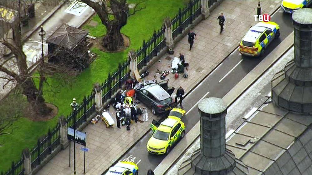 Экстренные службы Великобритании месте теракта в Лондоне