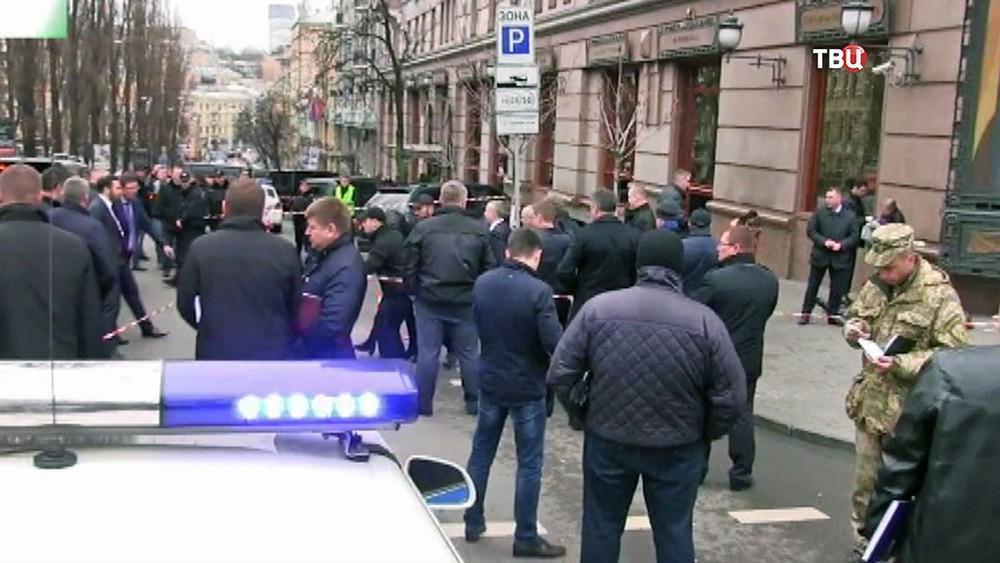 Следственные действия на месте убийства Дениса Вороненкова в Киеве