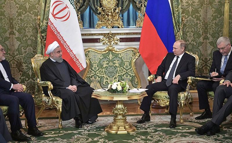Владимир Путини и Хасан Роуханив в Кремле