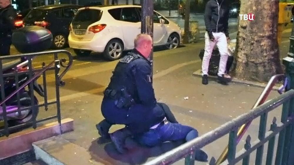Полиция Франции проводит задержание