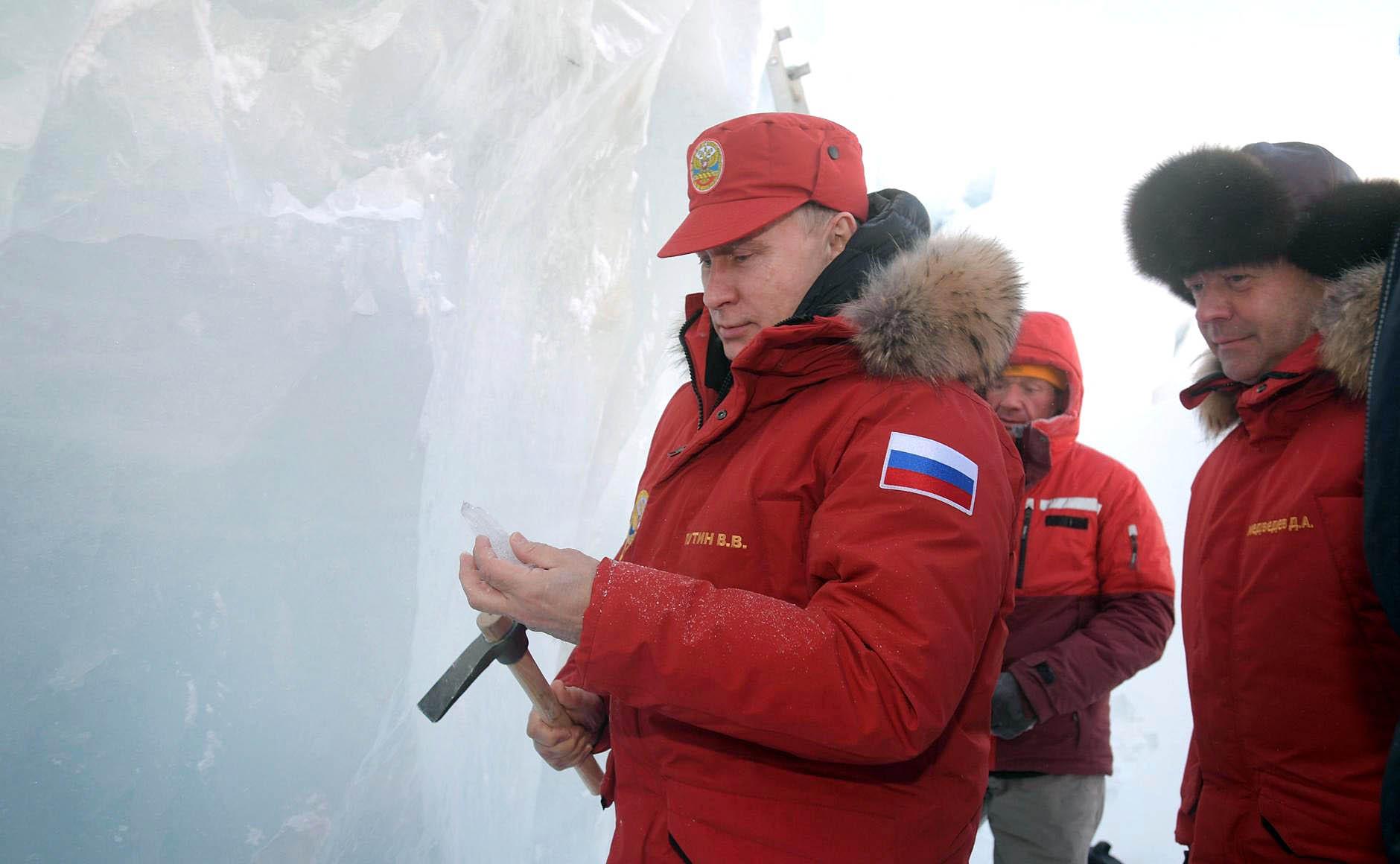 Президент России Владимир Путин во время посещения архипелага Земля Франца-Иосифа