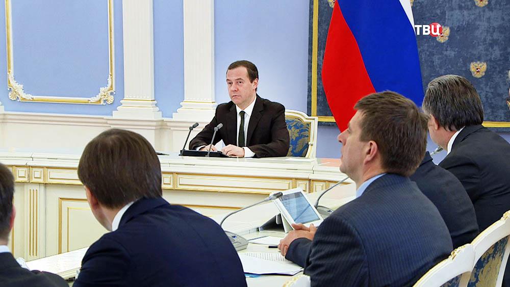 Дмитрий Медведев на заседании Правительства России