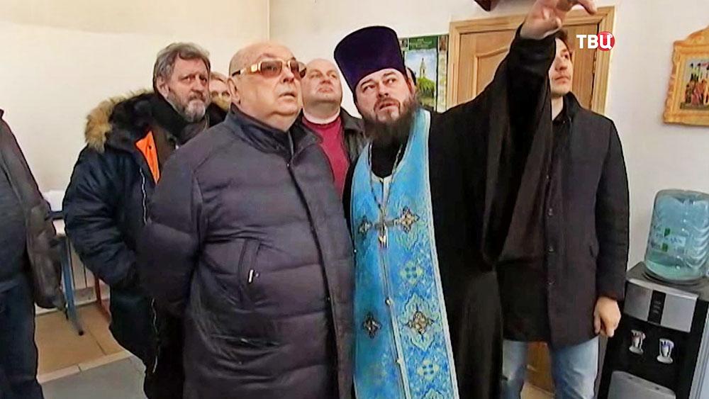 Владимир Ресин осмотрел строящийся храм