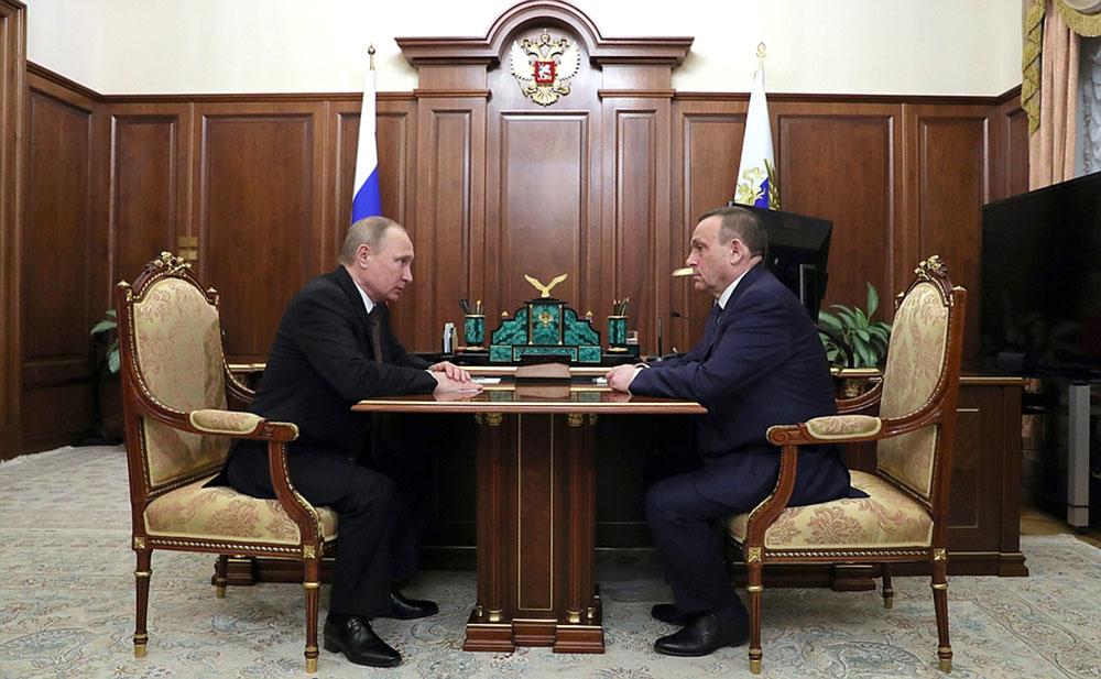 Владимир Путин и Александр Евстифеев во время встречи