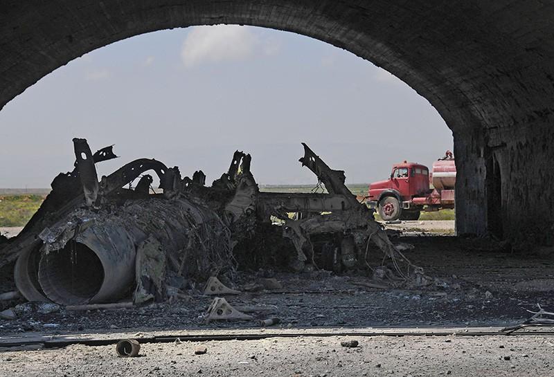Результат ракетного удара США по авиабазе в Сирии