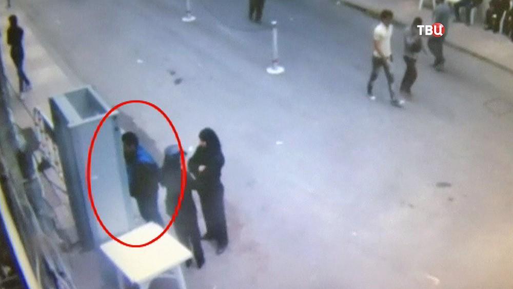 Террорист перед взрывам в храме в Египте