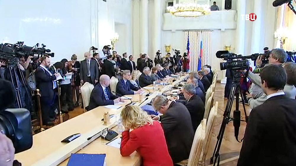 Встреча главы МИД России Сергея Лаврова и госсекретаря США Рекса Тиллерсона