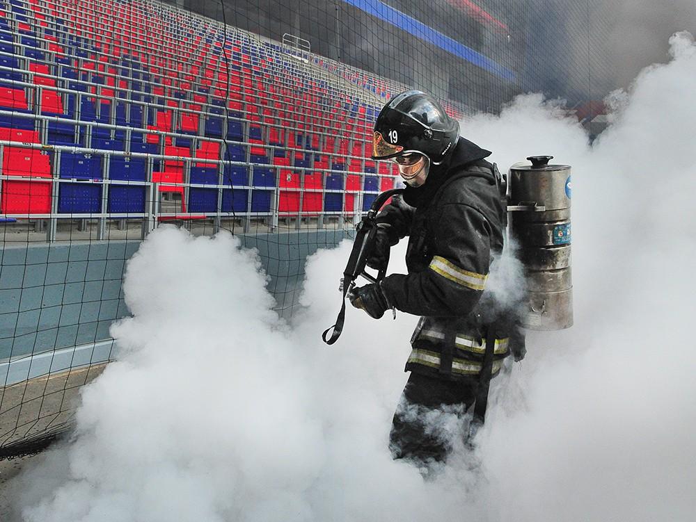 Пожарно-тактические учения МЧС по отработке действий при проведении футбольных матчей на стадионе ЦСКА