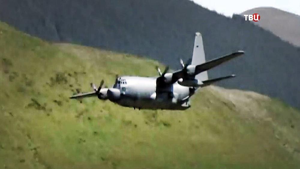 Военно-транспортный самолет ВВС США Lockheed C-130 Hercules