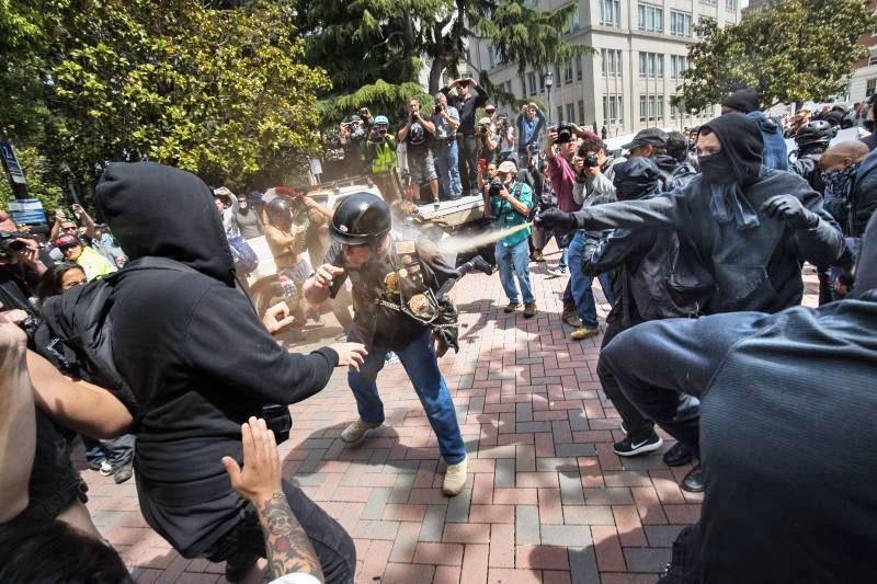Беспорядки в Калифорнии