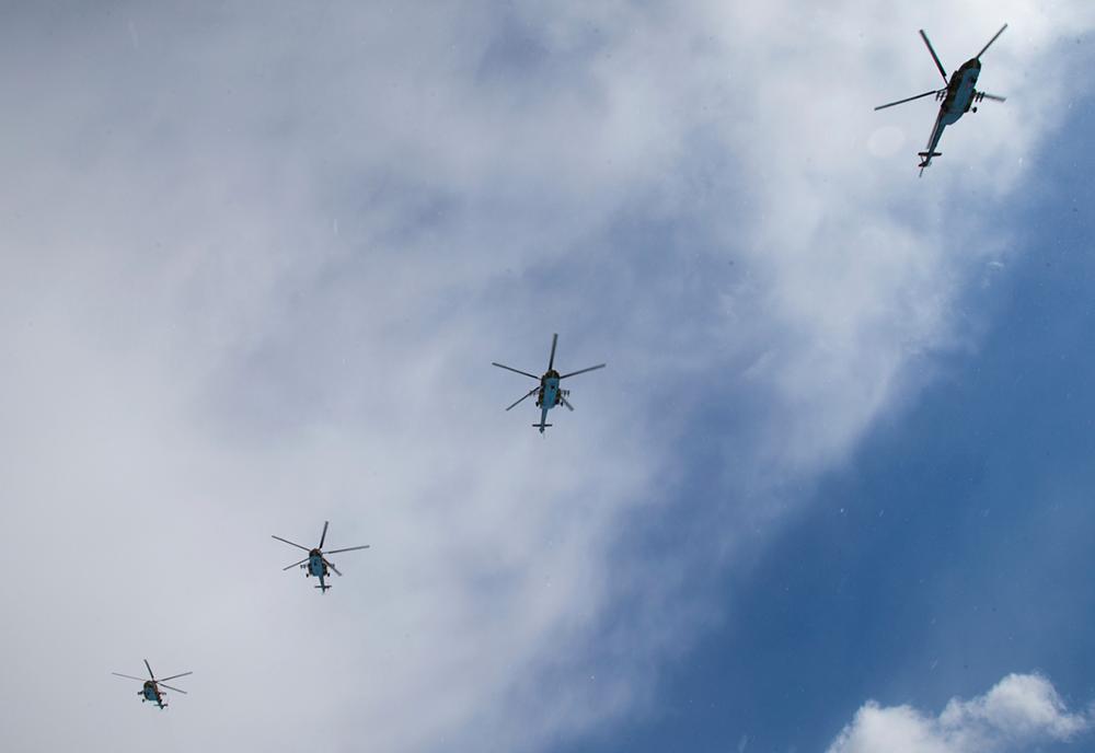 Звено вертолетов Ми-8
