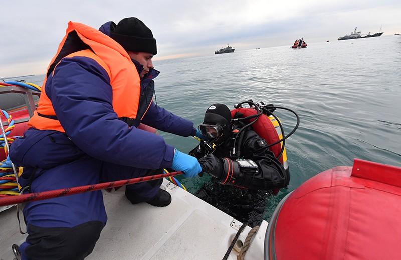 Водолаз МЧС во время поисково-спасательной операции