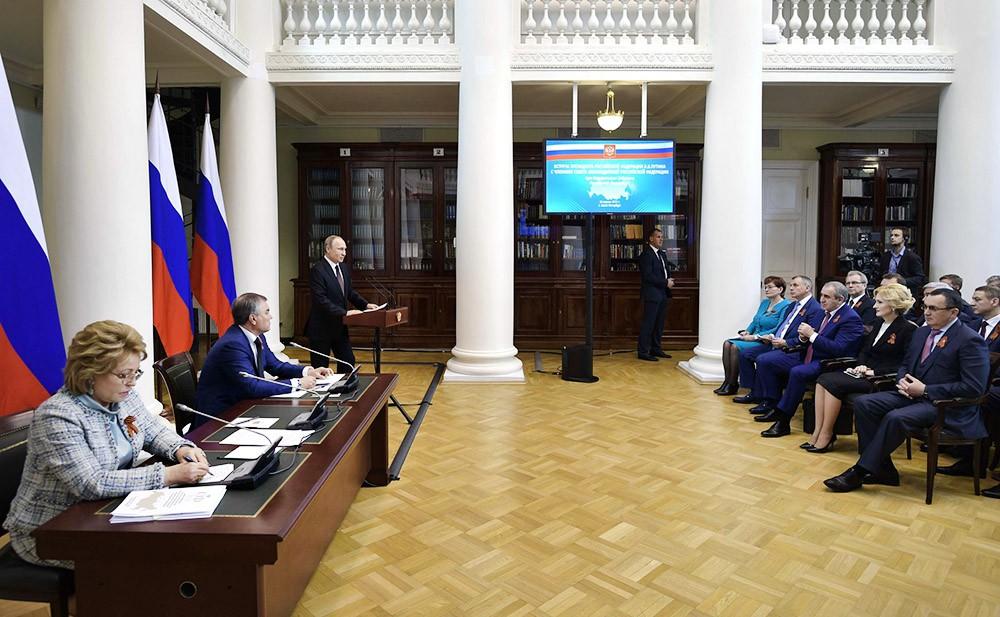 Владимир Путин на заседании Совета законодателей