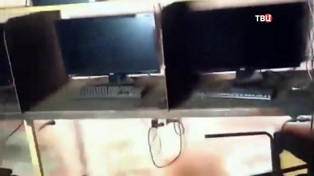 Последствия взрыва в компьютерном клубе в Дагестане