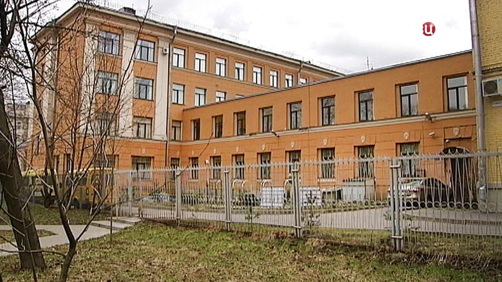 Здание школы при детском доме в Санкт-Петербурге