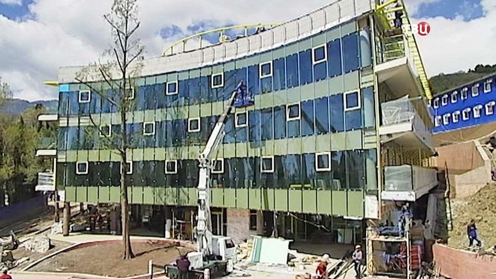 """Строительство нового корпуса в лагере """"Артек"""""""