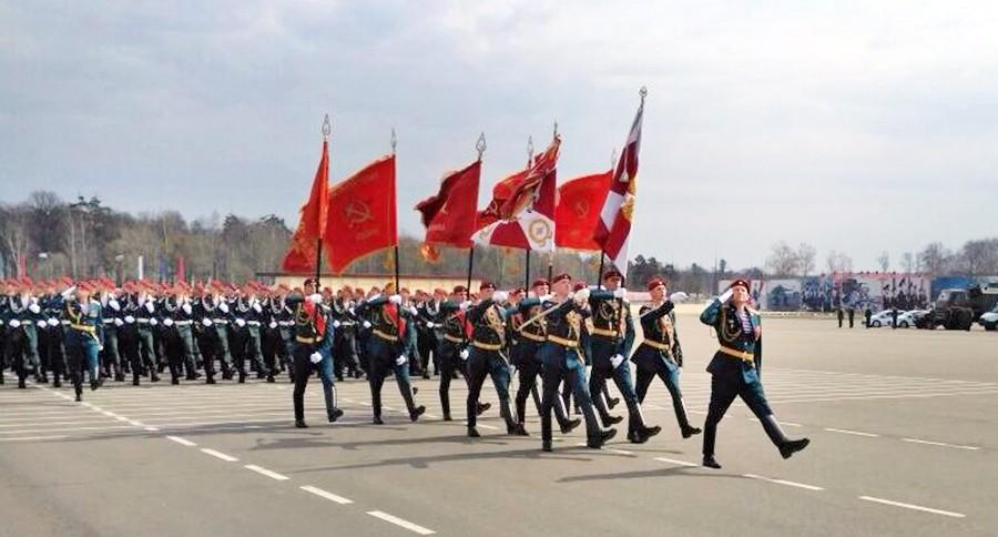 Бойцы Росгвардии на репетиции Парада Победы