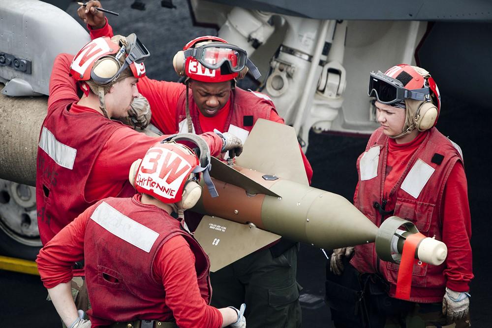 Боевое оснащение истребителя ВВС США