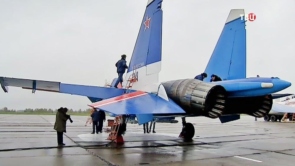 Истребители на аэродроме в Кубинке