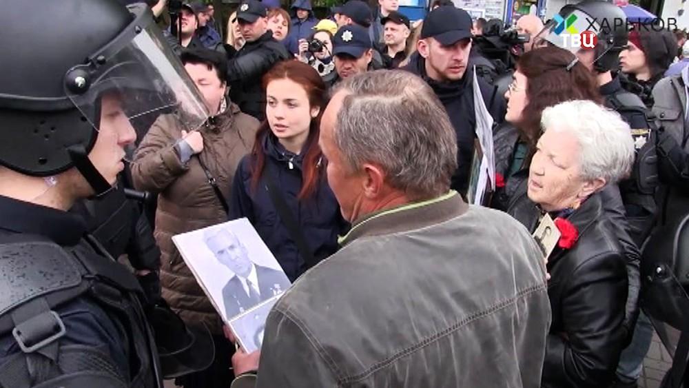 Украинские радикалы напали на ветеранов ВОВ