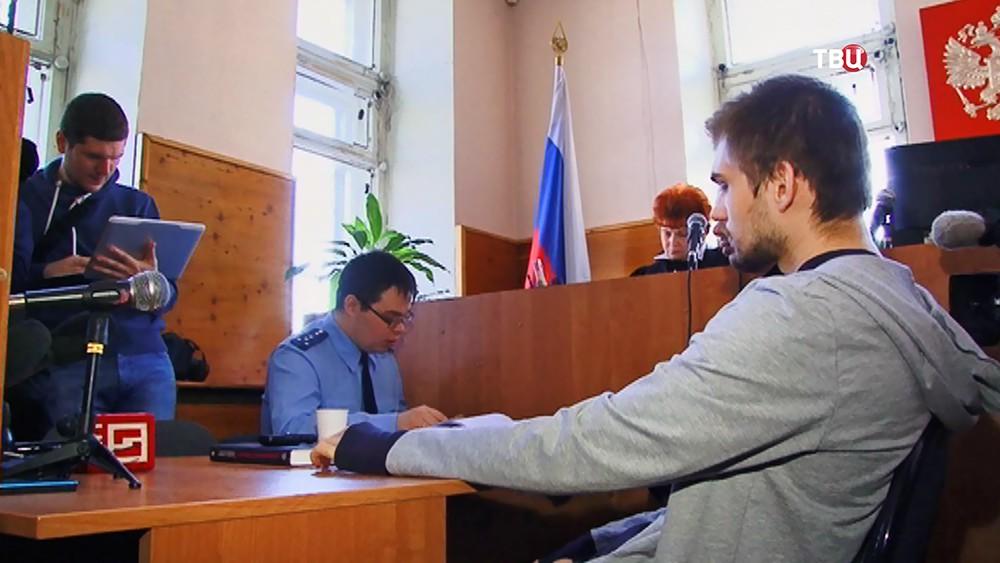 Блогер Руслан Соколовский в суде